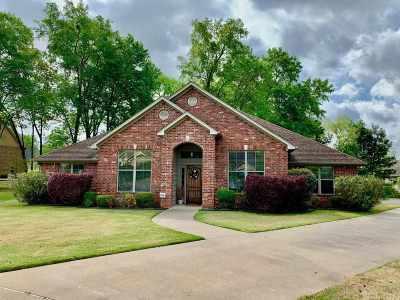 Single Family Home For Sale: 1602 Spyglass Dr.