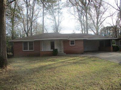Kilgore Single Family Home For Sale: 1502 E Lantrip St
