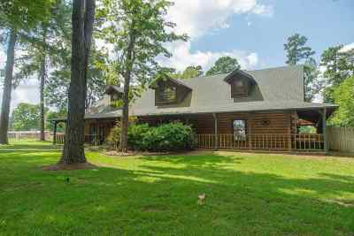 White Oak Single Family Home For Sale: 1813 S Lake Harris Rd.