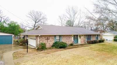 Kilgore Single Family Home Active, Option Period: 108 Eastridge Rd