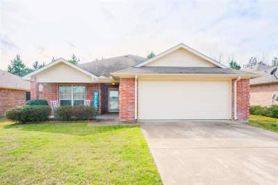 Longview TX Single Family Home For Sale: $179,900