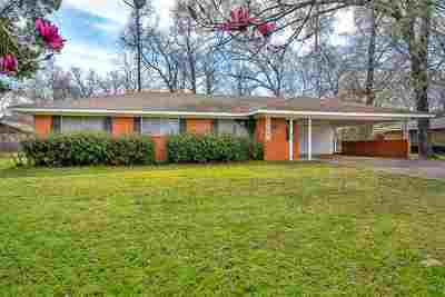Kilgore Single Family Home Active, Option Period: 2810 Greenhills Dr.