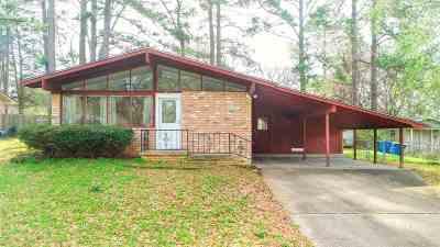 Kilgore Single Family Home Active, Option Period: 2610 Ridgecrest Ln.