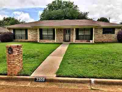 Kilgore Single Family Home For Sale: 3309 Birdsong Ct