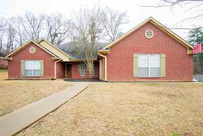 White Oak Single Family Home Active, Cont Upon Loan Ap: 1401 Nottingham Drive