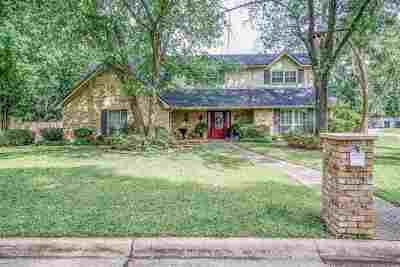 Single Family Home For Sale: 1604 Sweetbriar Ct.