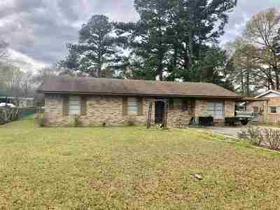 Carthage TX Single Family Home For Sale: $81,900