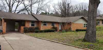 Gladewater TX Single Family Home For Sale: $159,500