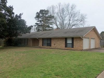 Kilgore Single Family Home Active, Option Period: 3305 Stonehaven Court