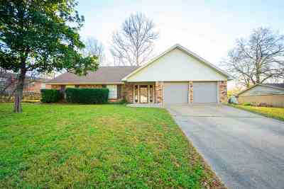 Gilmer Single Family Home For Sale: 1615 N Bradford