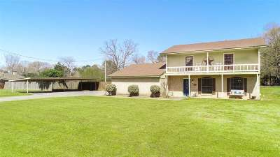 Longview Single Family Home For Sale: 105 Katy St.
