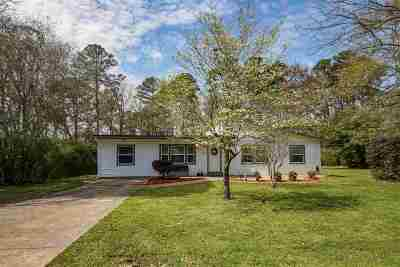 Longview Single Family Home Active, Option Period: 1107 Pine Bluff