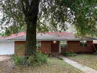 Big Sandy Single Family Home For Sale: 410 Tyler
