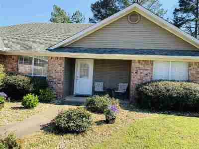 Gladewater TX Single Family Home Active, Option Period: $190,000