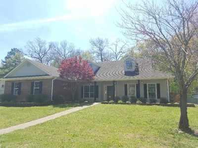 Kilgore Single Family Home For Sale: 2906 Houston St