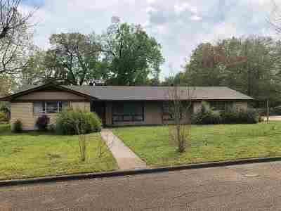 Carthage TX Single Family Home For Sale: $135,000