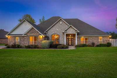 Longview Single Family Home For Sale: 705 Dennard St.