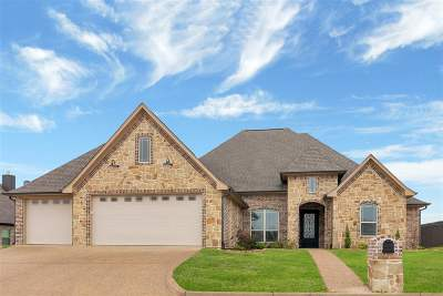 Hallsville Single Family Home Active, Cont Upon Loan Ap: 208 New Braunfels