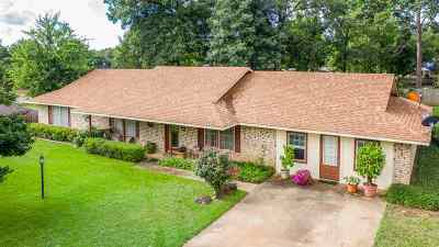 Gladewater TX Single Family Home For Sale: $195,000
