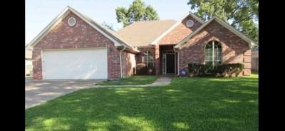 Single Family Home For Sale: 3802 Fern Ridge Dr