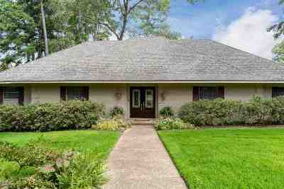 Longview Single Family Home For Sale: 1 Huntington Circle