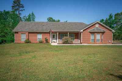 Gadewater, Gladewater, Gladewter, Gladwater Single Family Home Active, Cont Upon Loan Ap: 727 Green St