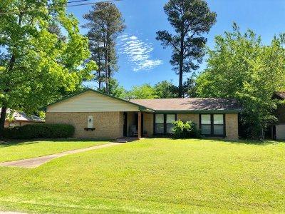 Kilgore Single Family Home Active, Option Period: 602 Pine Burr