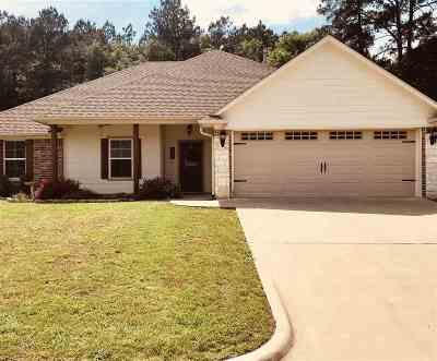 Hallsville Single Family Home For Sale: 163 Labrador Lane