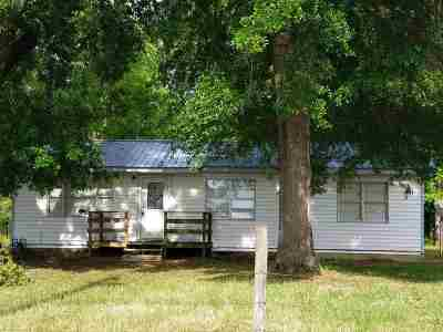 Gladewater TX Single Family Home Active, Option Period: $79,900