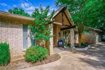 Gadewater, Gladewater, Gladewter, Gladwater Single Family Home Act, Cont. Upon Sale: 1905 E Lake Dr