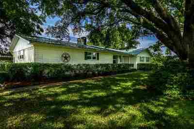Gilmer Single Family Home For Sale: 2815 Arrowwood Road