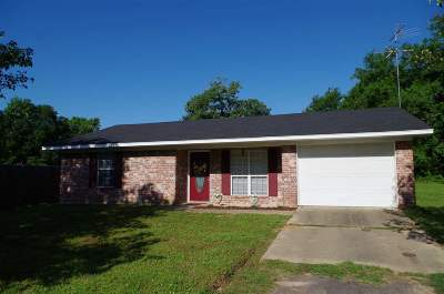 Gilmer Single Family Home For Sale: 151 N Mimosa Road