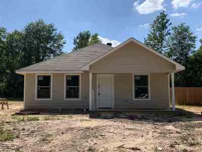 Kilgore Single Family Home For Sale: 1803 Tierra Del Sol