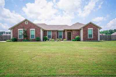 Hallsville Single Family Home Active, Cont Upon Loan Ap: 482 Karabeth Lane
