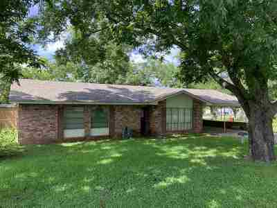 Hallsville Single Family Home Active, Option Period: 623 Circle Drive