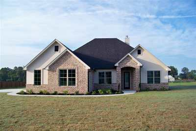 Hallsville Single Family Home Active, Option Period: 120 Private Road 3117