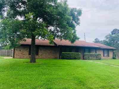 Gilmer Single Family Home For Sale: 106 Golf Rd