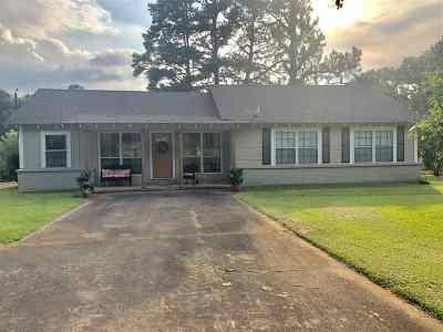 Mount Enterprise Single Family Home Active, Cont Upon Loan Ap: 21480 S Fm 95