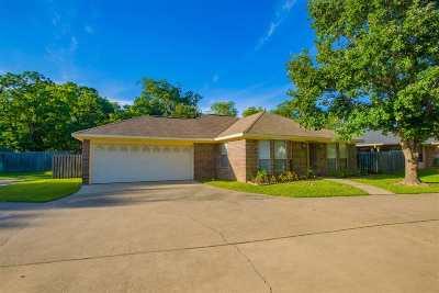 Gilmer Single Family Home For Sale: 724 North Bledsoe