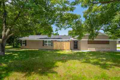 White Oak Single Family Home For Sale: 701 S White Oak Rd