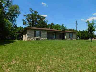 Gladewater TX Single Family Home For Sale: $159,900