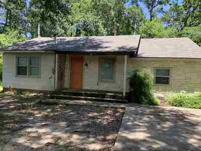 Gregg County Single Family Home For Sale: 2905 Laura Lee Ln