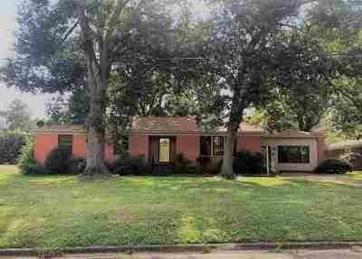 Marshall Single Family Home For Sale: 2911 Acadia