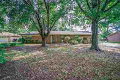 Longview TX Single Family Home For Sale: $159,200