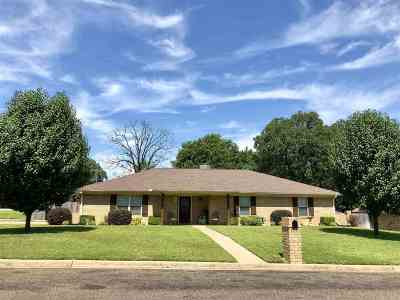 Longview TX Single Family Home For Sale: $169,900