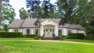 Longview, Carthage, Hallsville, Kilgore, Henderson, Tatum, Beckville, Gary, Elysian Fields, Diana, Ore City, Harleton, Gilmer, Gladewater, Sabine, Daingerfield Single Family Home For Sale: 6 Bedford Circle