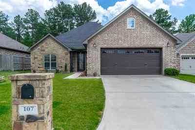 Hallsville Single Family Home For Sale: 107 Fredericksburg Circle