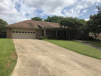 Marshall TX Single Family Home Active, Option Period: $209,900