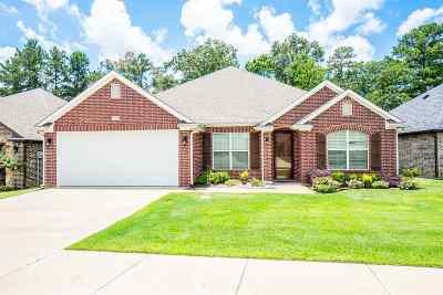 Longview Single Family Home For Sale: 3311 Celebration Way