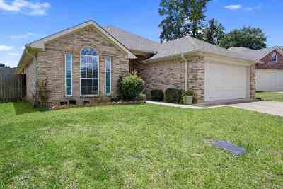 Gregg County Single Family Home For Sale: 3218 Oakleigh